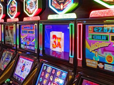 La machine à sous est le jeu le plus aimée des clients des casinos.